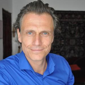 Dr. Alexander Knoll